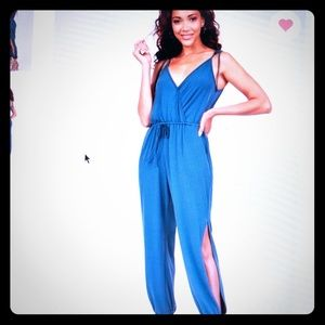 BCBG Tie-up Jumpsuit 💙